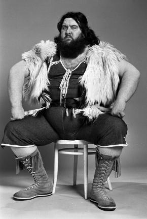 gallery_showbiz-big-daddy-giant-haystacks-2